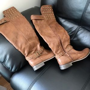 """Cognac boots, 16"""" circumference; studded, size 9"""